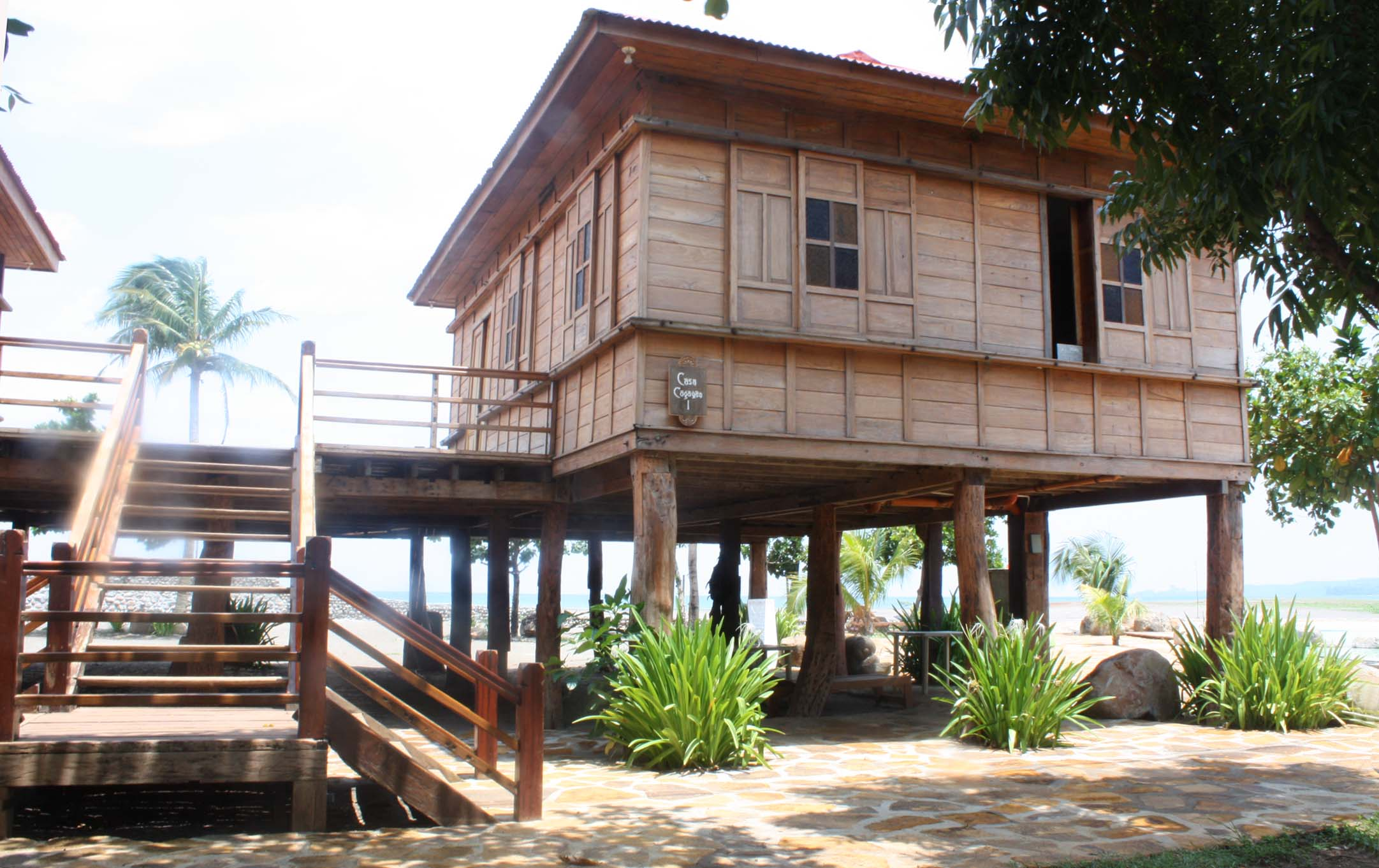 Filipino Houses http://guitarfool.com/20/old-filipino-houses